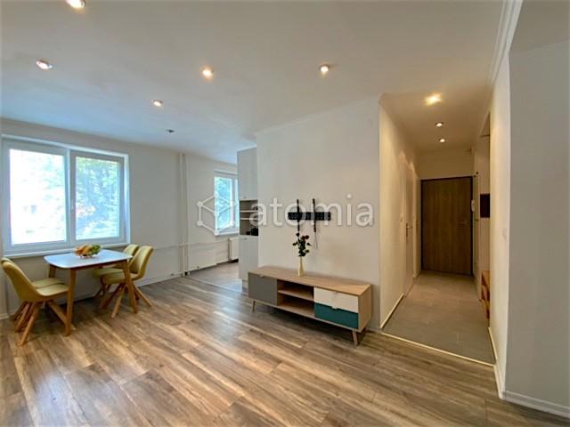 63 m2, byt + pivnica, balkón, 1.p./6.p., pod tým čiastočne byt, rekonštrukcia